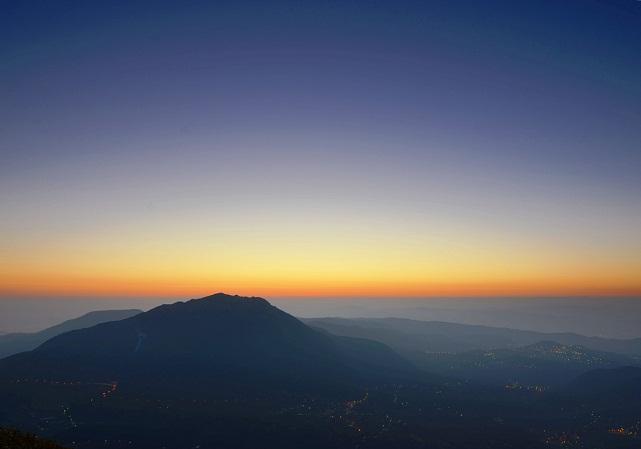 夜明け前(3)