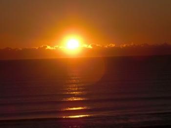 気づけば日の出である