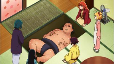床下にお相撲さん