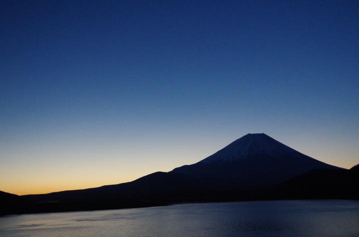 日の出06:05