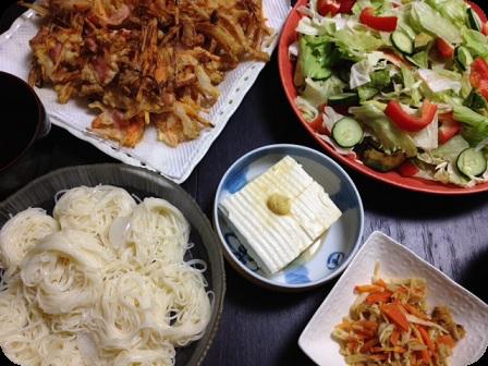 ソーメン+かき揚げ+グリーンサラダ+お豆腐の中華風お浸し+切り干し大根