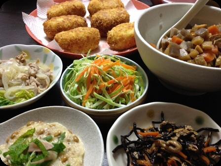 クリームコロッケ+千切りキャベツと人参サラダ+ひじき+長芋とろろ納豆+筑前煮+塩ダレ豚