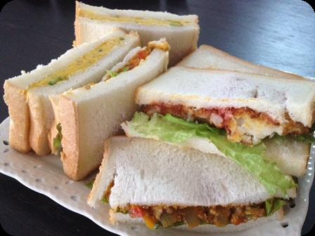 サンドイッチ(ドライカレー・かぼちゃおからサラダ・クリームコロッケ)