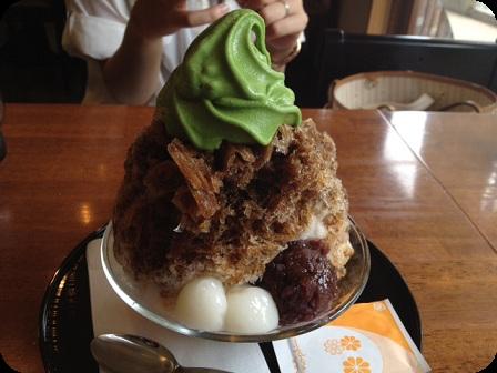 抹茶クリーム黒蜜+白玉入りかき氷