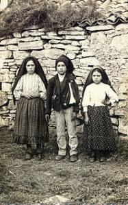 1917-ChildrensofFatima.jpg