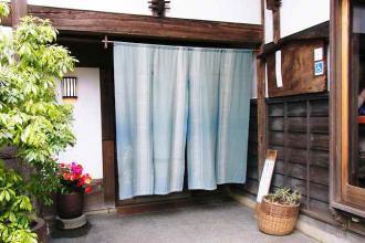 12-4-30 暖簾