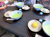 13-12-12昼 彩雲堂 お菓子セット