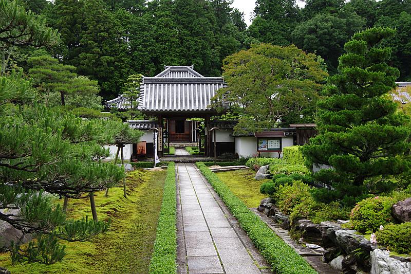 大池寺入り口