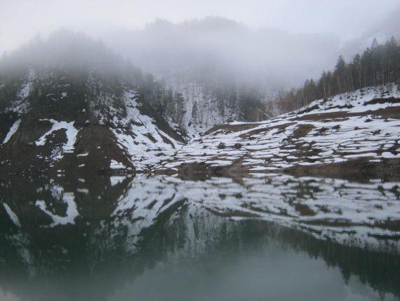 0505ダム湖01