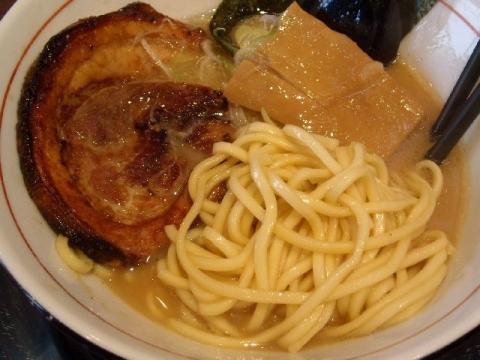 まっくうしゃ・醤油 麺
