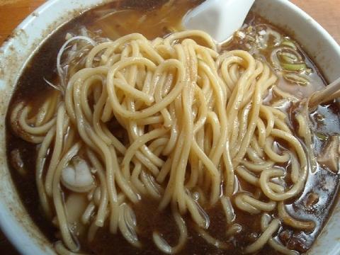 陣丸・節醤油ラーメン 麺