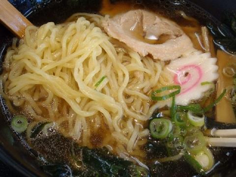 ごはんどき・醤油ラーメ 麺