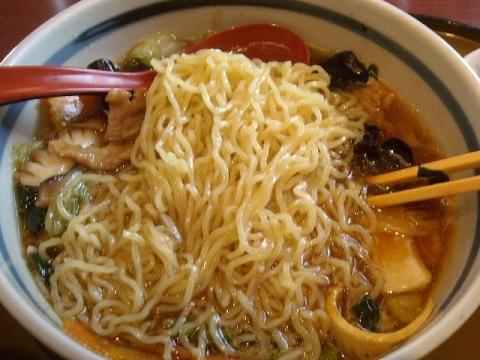 さんぽう亭・五目うま煮麺 麺