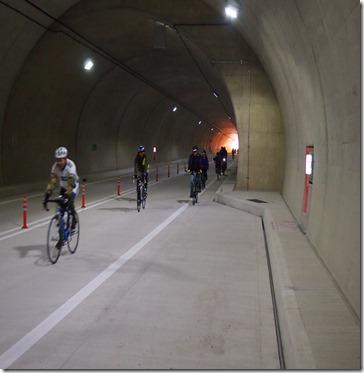 高速道路トンネル・・・
