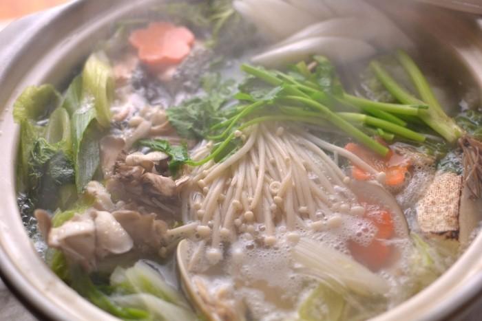 ハマグリと鮭の寄せ鍋