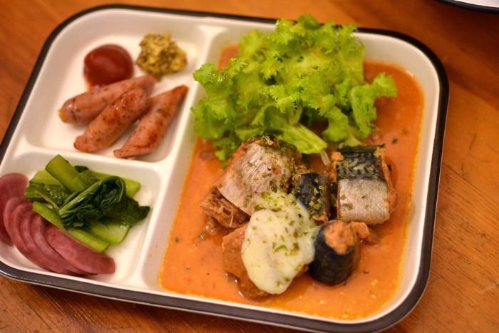 鯖の味噌煮の缶詰