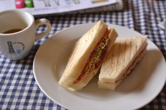 サンドイッチ(生ハムとトマト