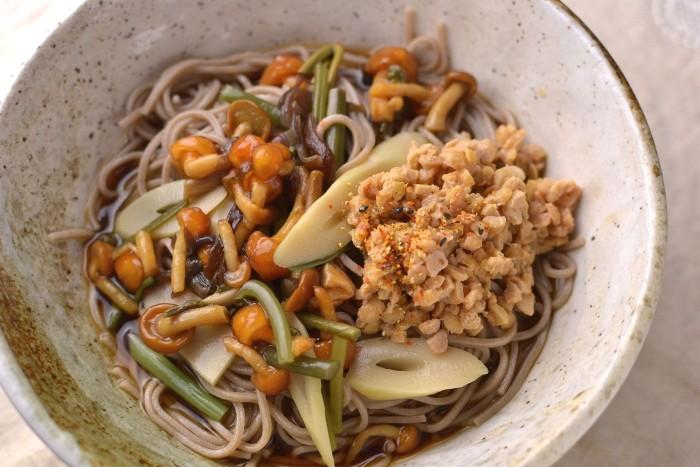 山菜納豆蕎麦