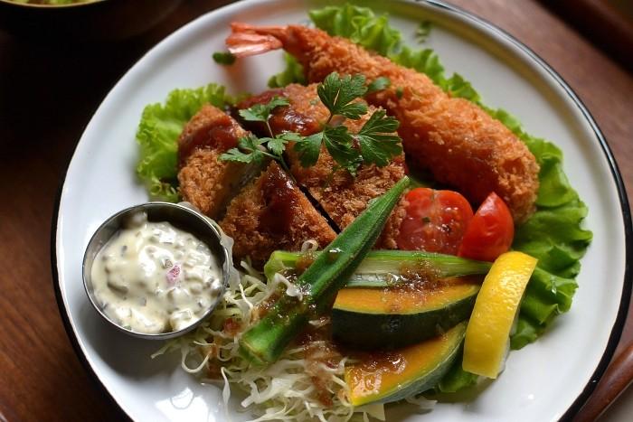 メンコロ海老フライ丼