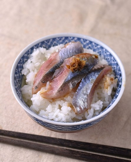 秋刀魚の刺身ごはん
