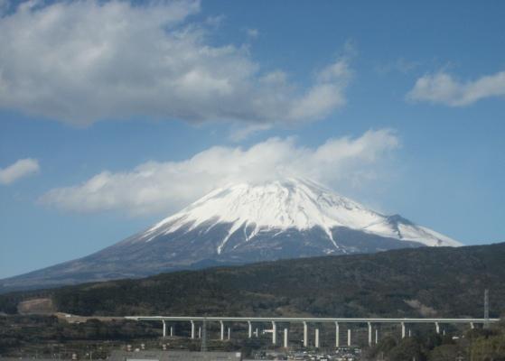 新幹線車内からの富士山