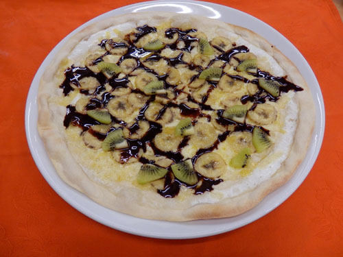 チョコバナナとキュウイフルーツのピザ