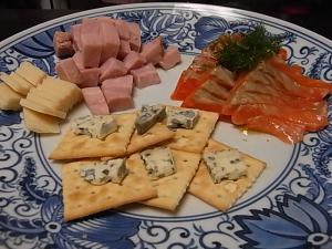 おつまみチーズとサーモンディル