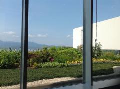 シネザートからの眺め、うっすら富士山