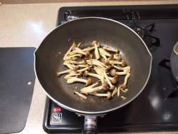 牡蠣のペペロンチーノ風09