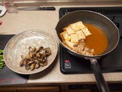 あさりと厚揚げのピリ辛煮10