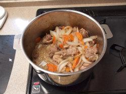鶏デミグラスソース煮13