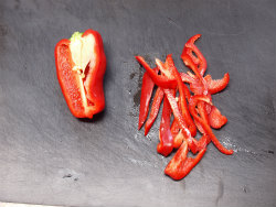 赤ピーマンとシシトウの豆板醤02