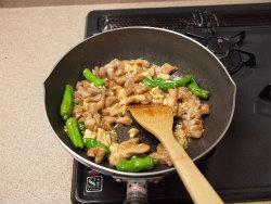 茄子と鶏の味噌炒め18