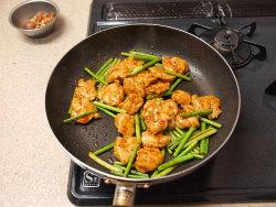 にんにくの芽と鶏胸の牡蠣油14