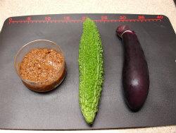 ゴーヤーと茄子の肉味噌炒め01