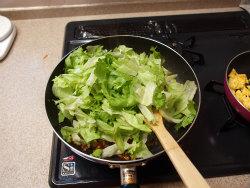レタスと豚ひき肉の豆板醤炒15
