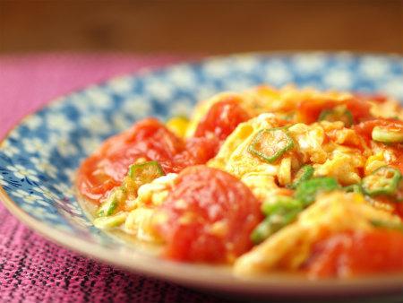 トマトとオクラの卵炒め51