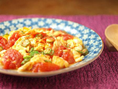 トマトとオクラの卵炒め55