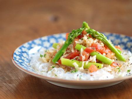 アスパラガスとトマトのサラダ17