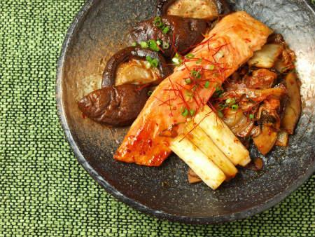 鮭と椎茸のキムチ焼き13