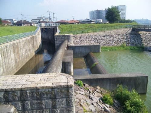 狭山池ダム