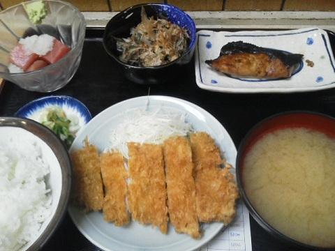 出色の四品定食