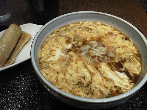 卵とじそばといなり寿司