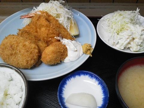 盛り合わせフライ定食+ポテトサラダ