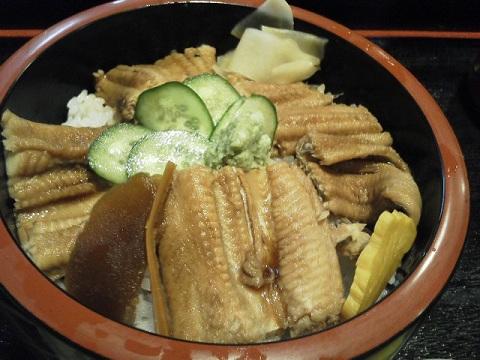 寿司屋のランチ「穴子丼」