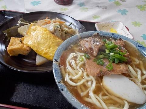 沖縄のそば定食