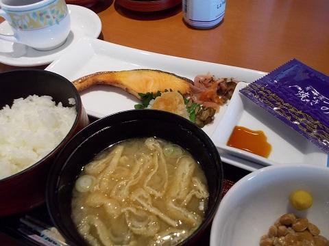 デニーズの焼き鮭朝食