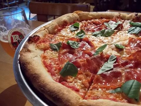 ピザと地ビール