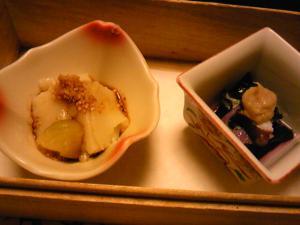 「小鉢二種」梅の花(福岡市)