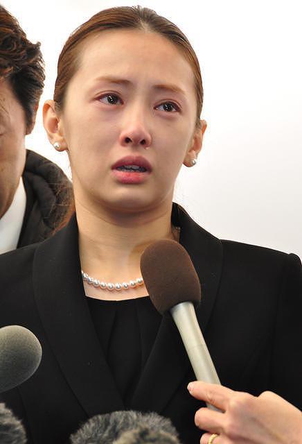 通夜で見せた北川景子のすっぴん画像2